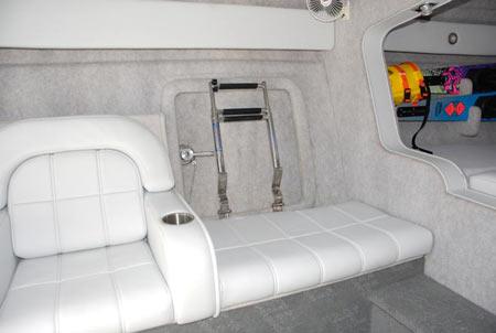 400t_mid-cabin1